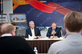 Prezident Putin (vpravo) a starosta Moskvy Sobjanin (vlevo)